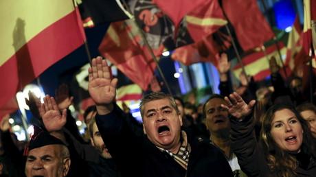 Faschistische Demonstration in Spanien - Hitlergruß inklusive
