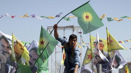 Kurdische Demonstranten während des Newroz-Festes