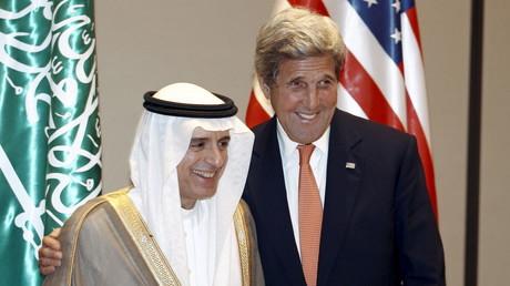 Gequältes Lächeln: US-Außenminister John Kerry mit seinem saudischen Amtskollegen Adel al-Jubeir