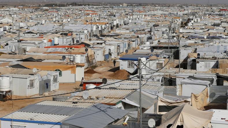 Blick auf das Flüchtlingslager Al Zaatari in der Nähe der jordanischen Stadt Mafraq an der Grenze zu Syrien. Jede Woche werden hier 50-80 syrische Kinder in Jordanien geboren, März 2016.