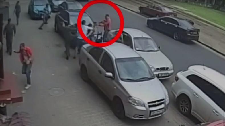 Ukrainische Journalisten in Odessa mit Fäusten und Schrotflinte angegriffen
