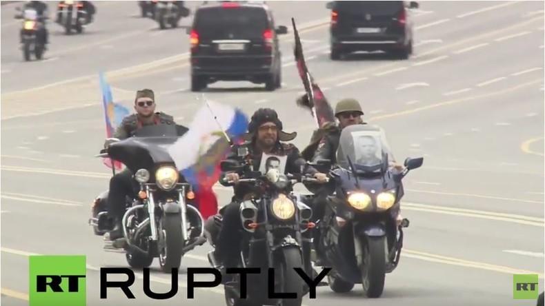 """Bikerclub 'Nachtwölfe' - Rückblick auf Start der Tour """"Straßen des Sieges"""" in Moskau"""