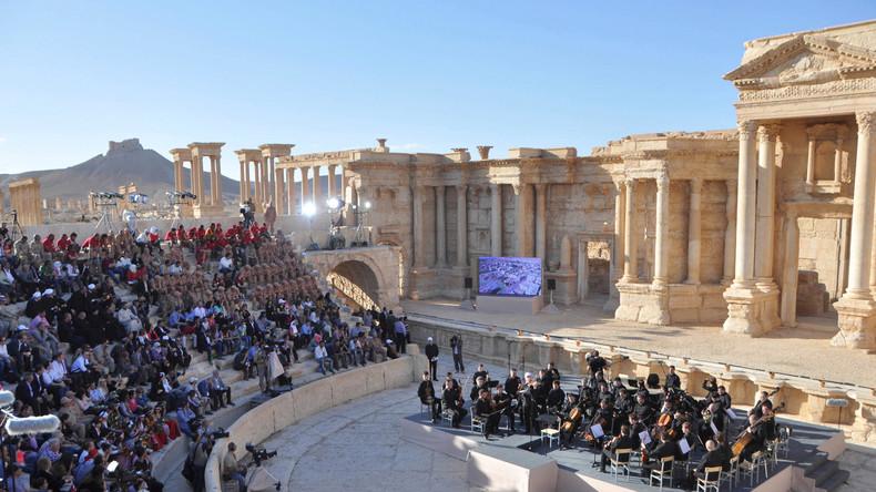 Einen ganz besonderen Tag erlebten gestern die Bewohner von Palmyra: Das Orchester des Sankt Petersburger Mariinski-Theaters unter der Leitung von Waleri Gergijew kam in die Stadt und gab ein Konzert