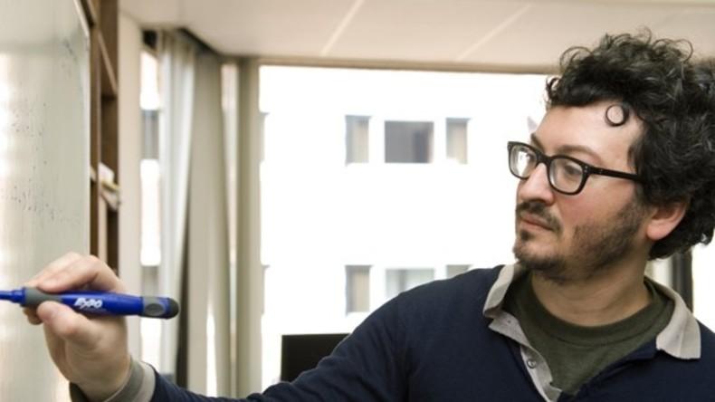 Verdächtiges Aussehen und verdächtige Aktivitäten: Weil er im Flugzeug Differenzialgleichungen löste, fand sich der Mathemathikprofessor Guido Menzio unter Terrrorverdacht wieder. Bild: https://economics.sas.upenn.edu/faculty/guido-menzio