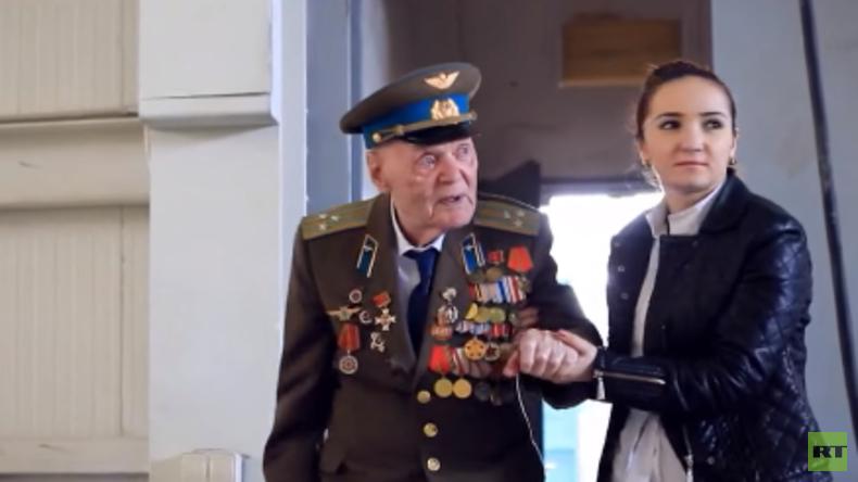 Tag des Sieges - RT begleitet einen Kriegsveteranen in Moskau