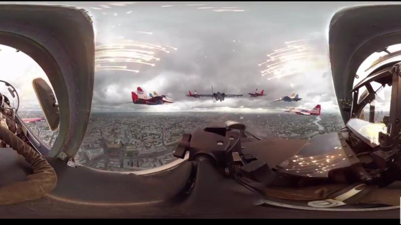 Moskau aus der Su-27-Perspektive – 360 Grad Video zeigt Kunstflug-Manöver über russischer Hauptstadt