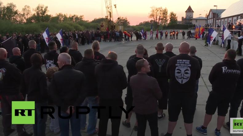 NPD trauert bei Kundgebung über Niederlage von Deutschland im Zweiten Weltkrieg
