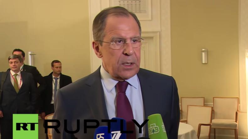 Live: Russlands Außenminister Lawrow gibt im Anschluss an Normandie-Treffen in Berlin Presserklärung