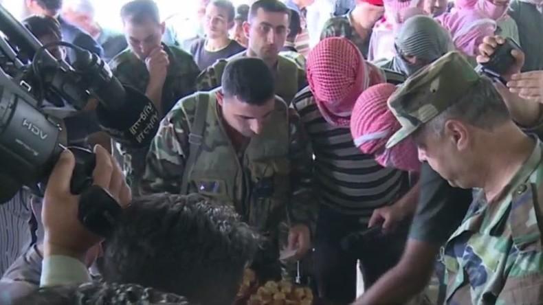 Syrien: Rebellen legen Waffen nieder - Rückkehr zum zivilen Leben
