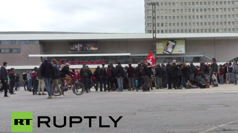 Live: Protest im französischen Rennes gegen Polizeigewalt bei Arbeitsrechtsreform-Protesten