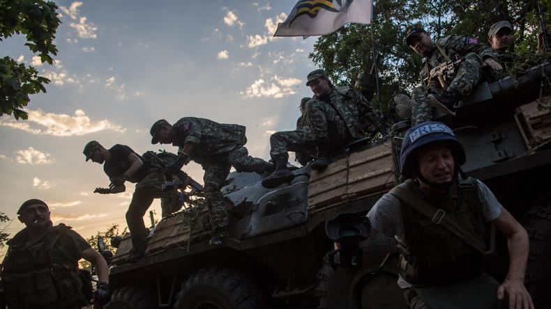 Russisches Fernsehteam im Donbass beschossen