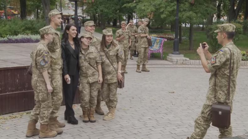 NATO Song Contest: Jamala, die Siegerin des Eurovision Song Contest 2016