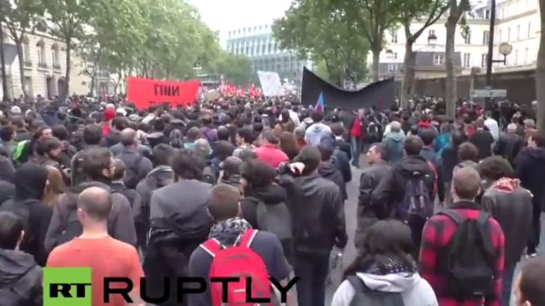 Live aus Paris: Polizei protestiert gegen Gewalt - Gewerkschaften gegen Arbeitsrechtsreform