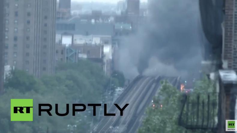 New York: Riesiges Feuer legt U-Bahndienst zur morgendlichen Rushhour lahm