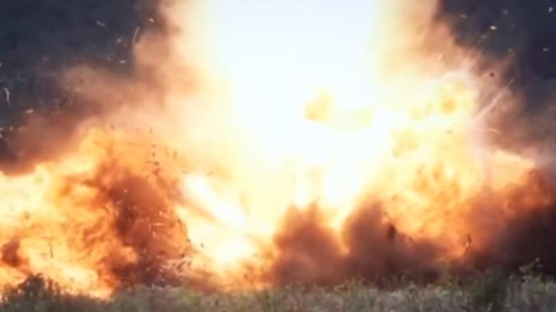 """Russisches Verteidigungsministerium veröffentlicht explosives Video zum Tag der """"Ostsee-Flotte"""""""