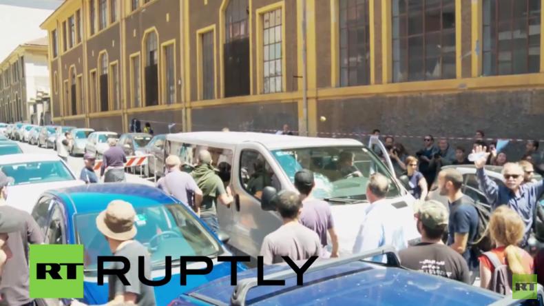 Italien: Antifaschisten greifen deutsche Touristen in Kleinbus an
