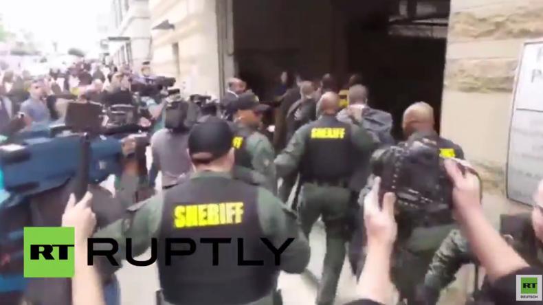 USA: Wut vor Gericht in Baltimore – Offizier im Fall von Freddie Grays Tod für unschuldig befunden