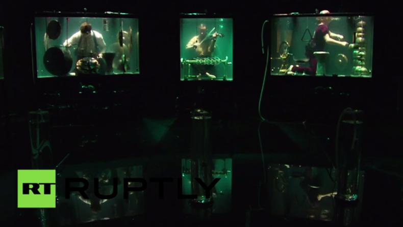 Die weltweit erste Unterwasser-Band spielt auf Festival in den Niederlanden