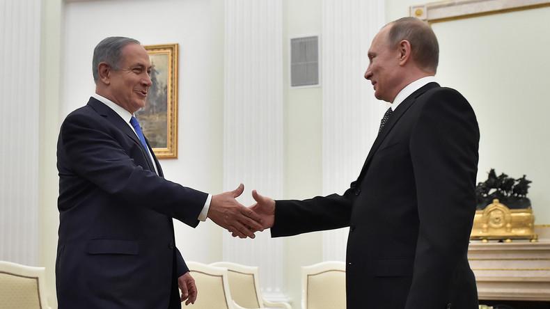 Putin übergibt an Netanjahu von syrischen Truppen erbeuteten israelischen Panzer