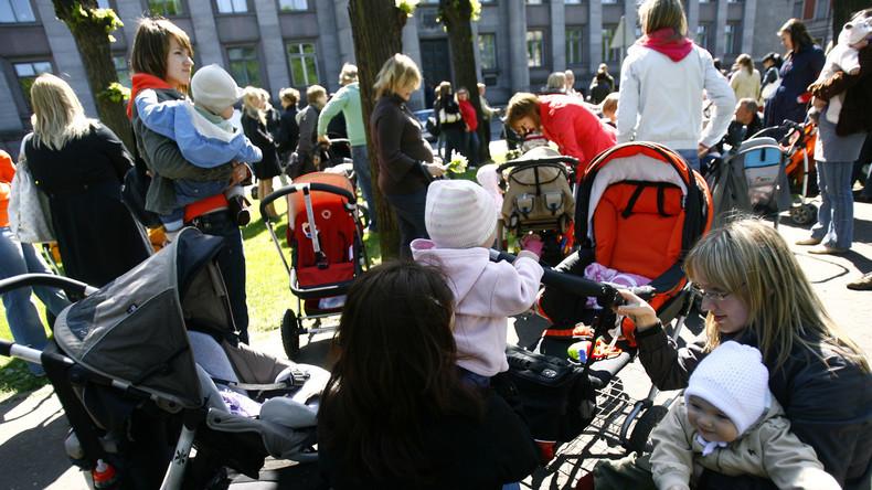 Linguistische Apartheid: Riga plant Verbot für nicht lettische Vor- und Familiennamen