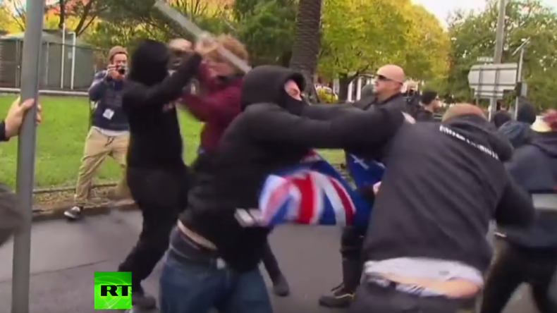 Australien: Massenschlägerei zwischen Antirassismus- und Anti-Islam-Demonstranten in Melbourne