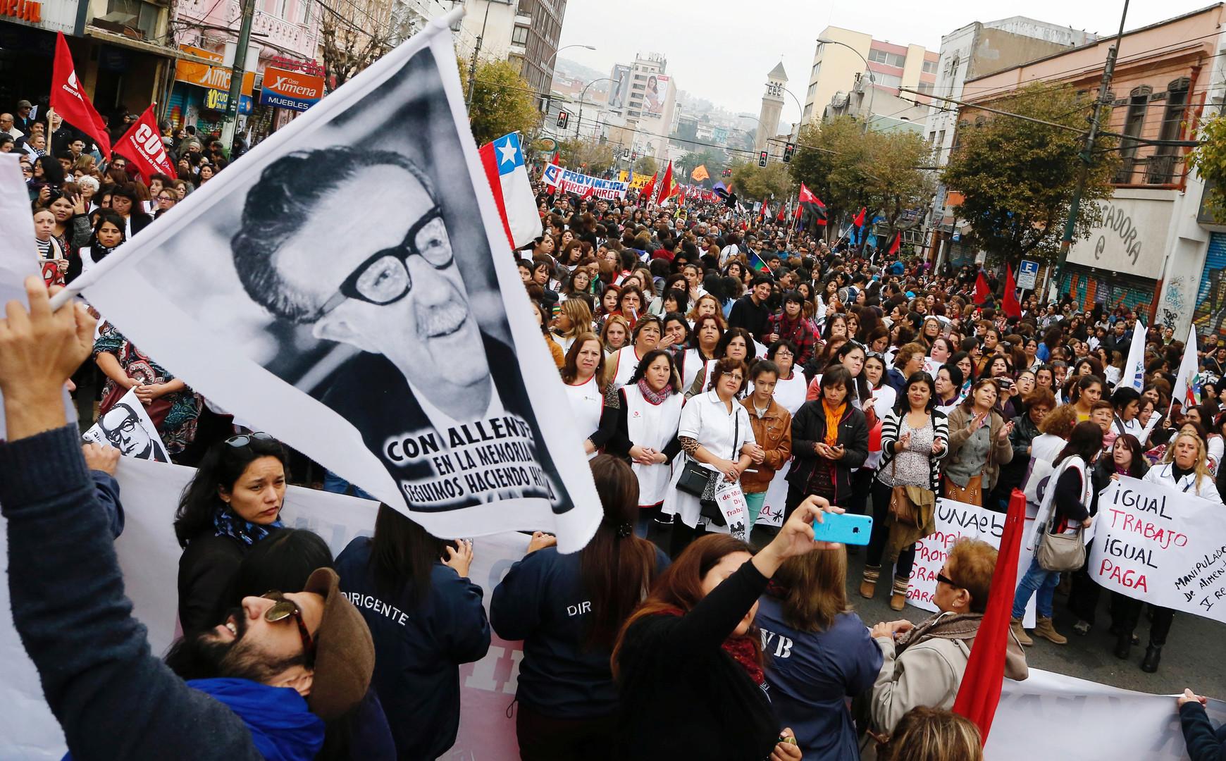 Santiago de Chile, Demonstranten erinnern an Präsident Salvador Allende.
