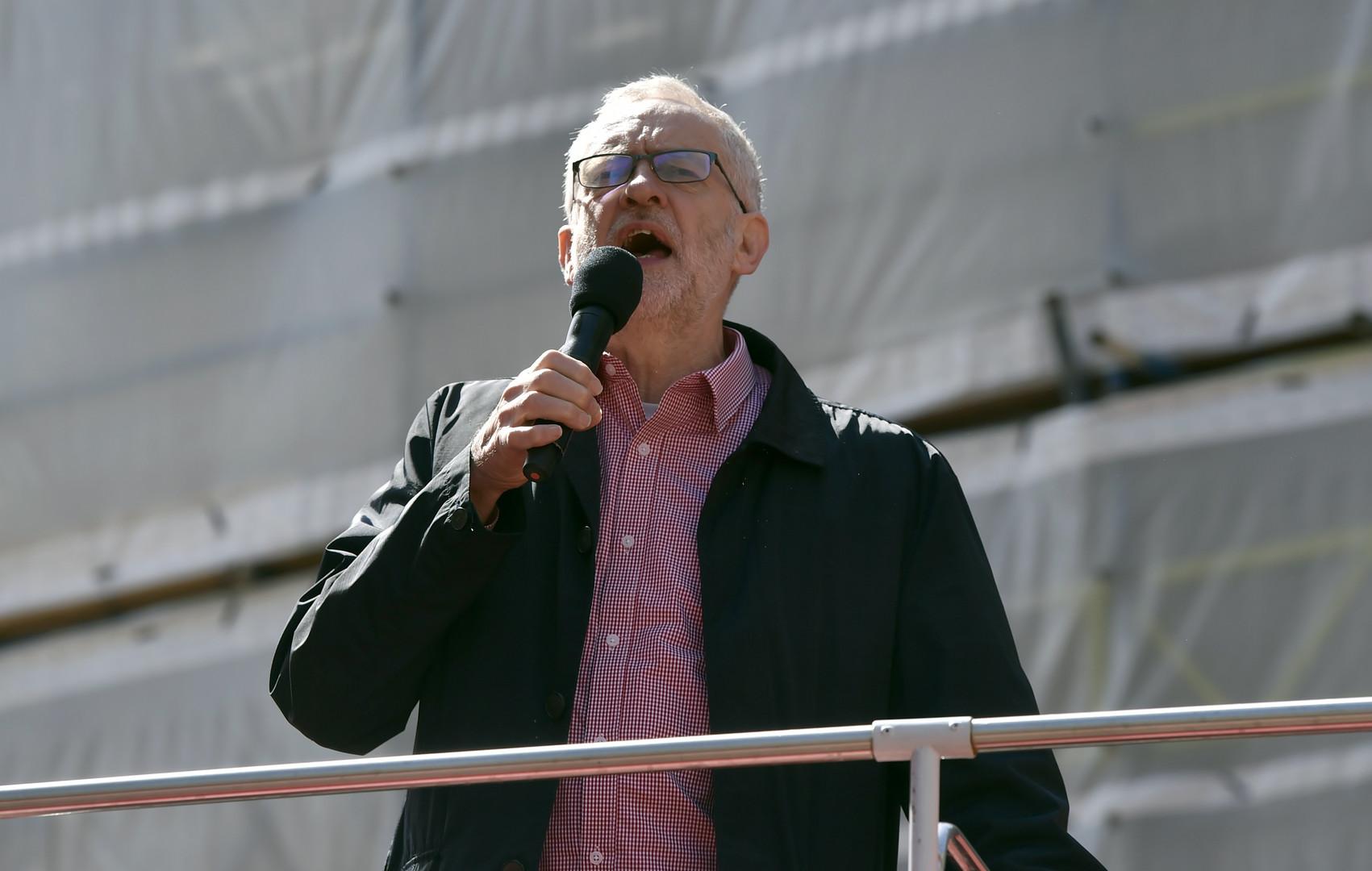 Der Führer der britischen Arbeiterpartei Jeremy Corbyn spricht in London, Großbritannien.