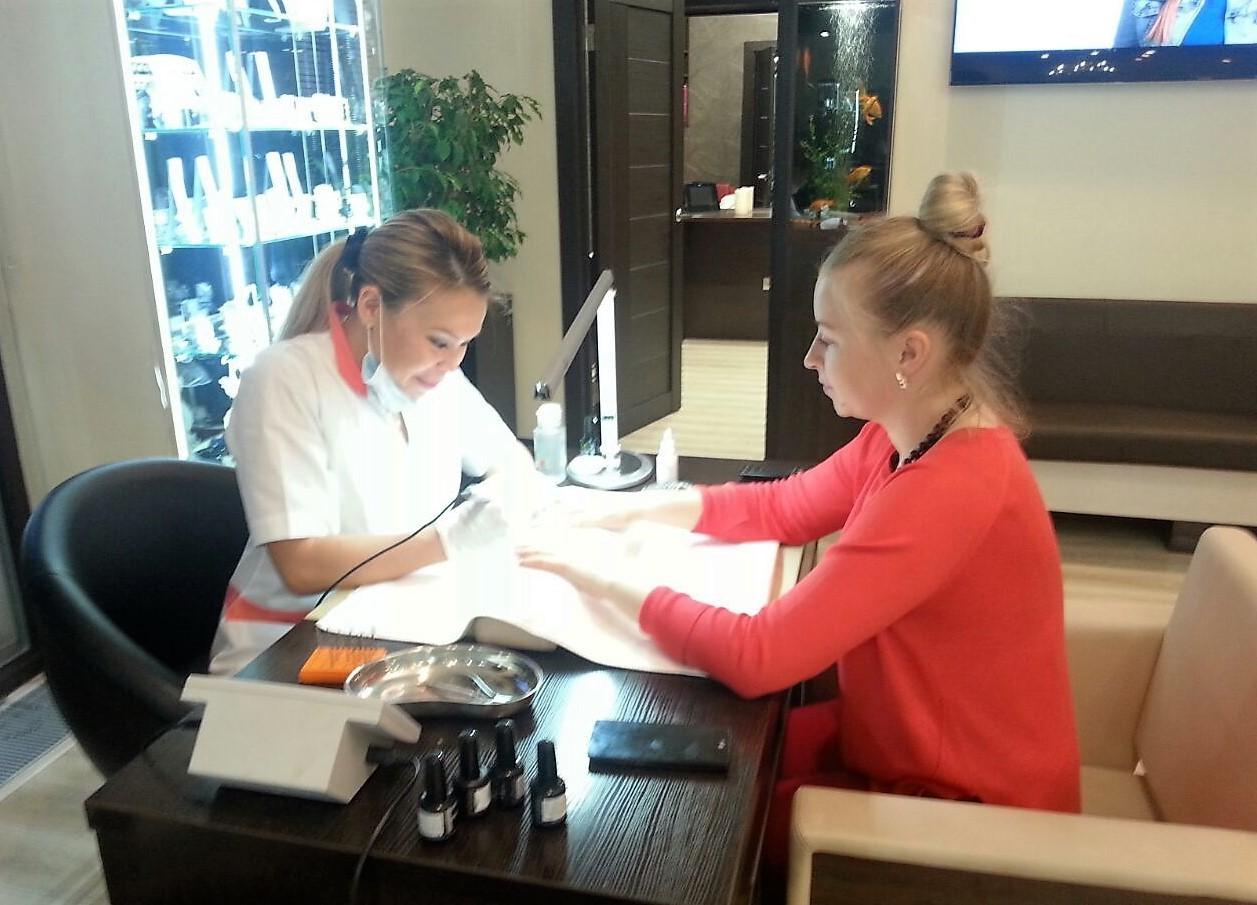 Eine schicke neue Frisur - Deutsche Austauschschülerin berichtet RT von ihrem Leben in Russland