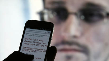 Mit Smartphones und autonomen Drohnen in die Totalüberwachung - Whistleblower Edward Snowden sieht die Zukunft düster