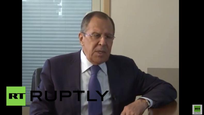 Lawrow: USA bitten Moskau, Angriffe auf die Positionen der al-Nusra-Front in Syrien einzustellen