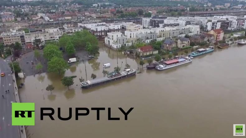 Paris steht unter Wasser - Drohne filmt schwere Überschwemmungen in Frankreichs Hauptstadt