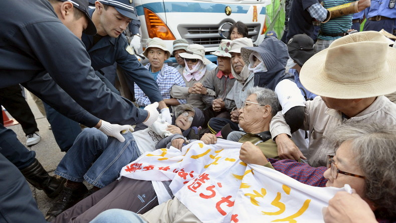 Demonstration gegen US-Militärbasis auf der japanischen Insel Okinawa
