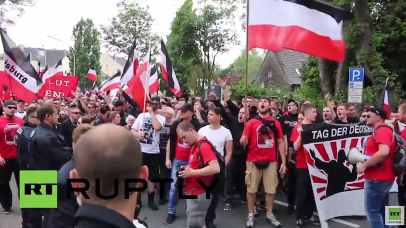 """Neonazi-Aufmarsch in Dortmund – 1.000 Rechte marschieren für """"Tag der deutschen Zukunft"""""""