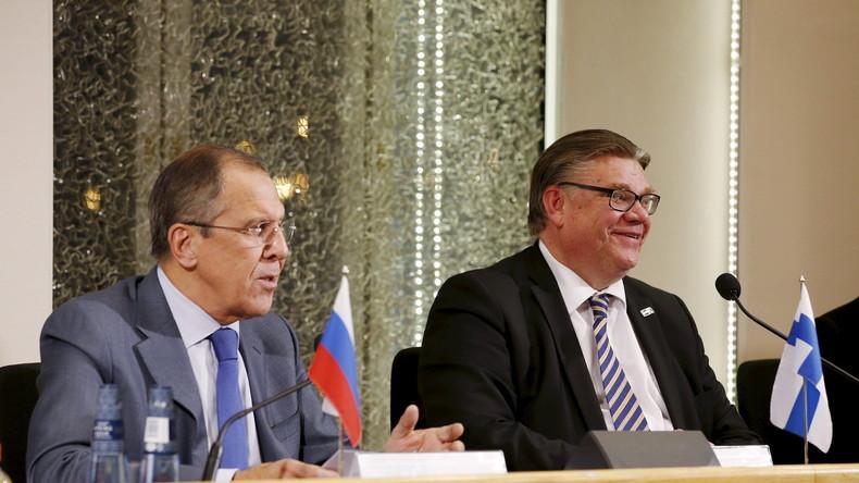 Live: Lawrow und Finnlands Außenminister Soini geben gemeinsame Pressekonferenz