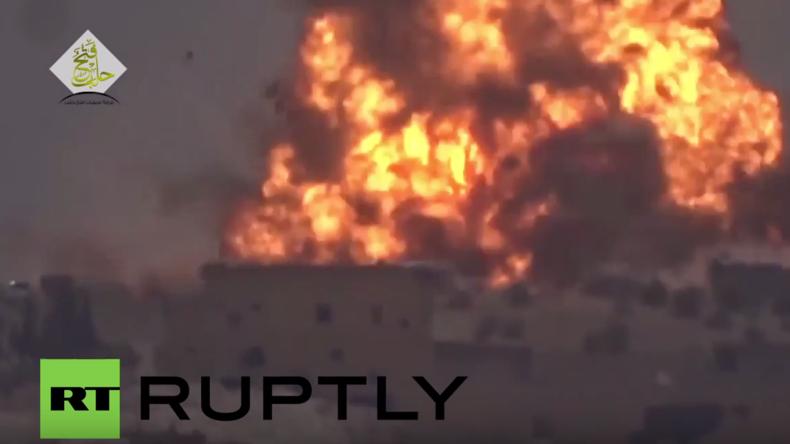 Syrien: Al-Nusra-Front startet massiven Angriff auf syrische Armee-Positionen in Aleppo