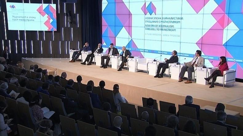 Live: Rossija Segodnjas internationales Medienforum – Podiumsdiskussion und Buchvorstellung