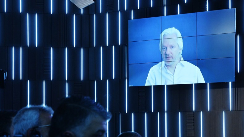 Assange bei Medienforum in Russland: Google in Clinton-Wahlkampagne eingebunden