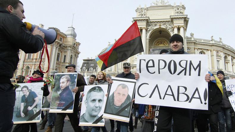 Gerühmt seien die Helden: Höchste Auszeichnung der Ukraine geht meistens an Beamte und Abgeordnete