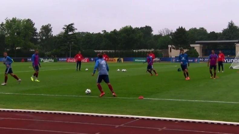 Live: Russisches Nationalfußballteam trainiert in Frankreich für EM 2016
