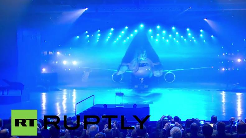 Russland: Hunderte besuchen Präsentation des neuen MS-21 Passagierflugzeugs