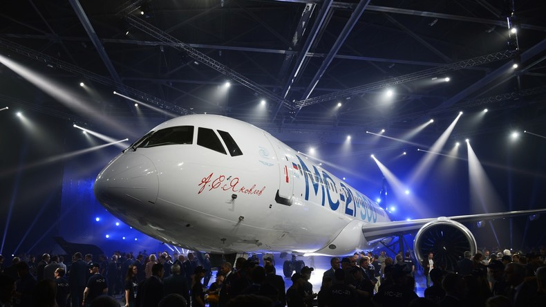 Russland präsentiert neues Passagierflugzeug MS-21