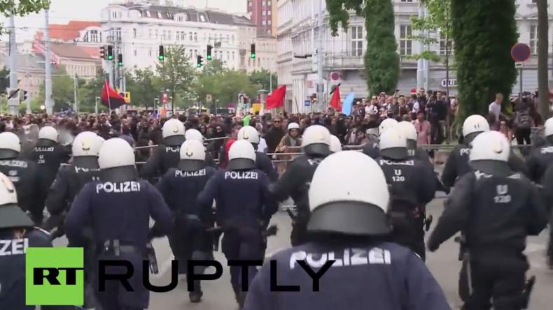 Österreich: Zusammenstöße, Verletzte und Verhaftungen bei Anti-Flüchtlings-Protest in Wien