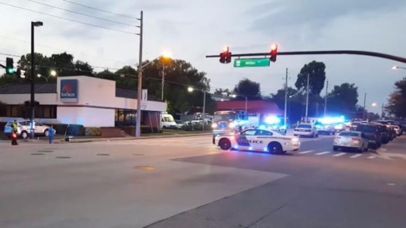 LIVE vom Tatort der Schießerei von Orlandos Nachtclub - Polizei gibt Erklärung