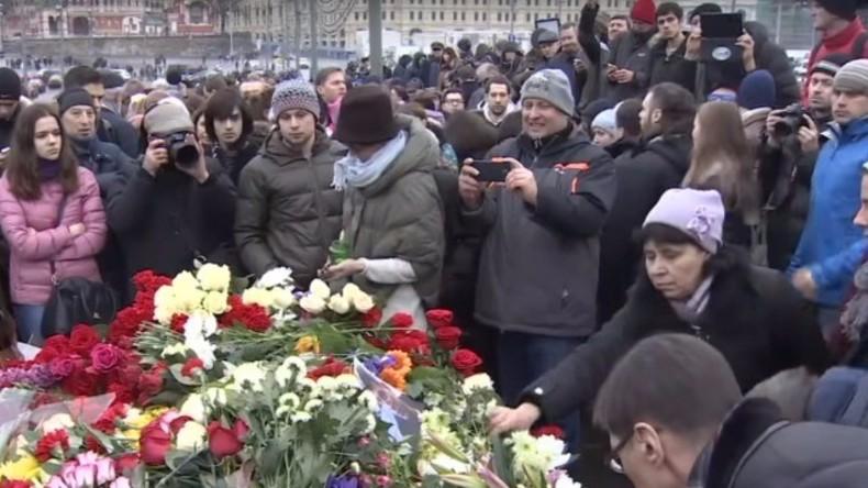 Live: Russische Opposition hält Gedenkmarsch für Boris Nemzow in Moskau