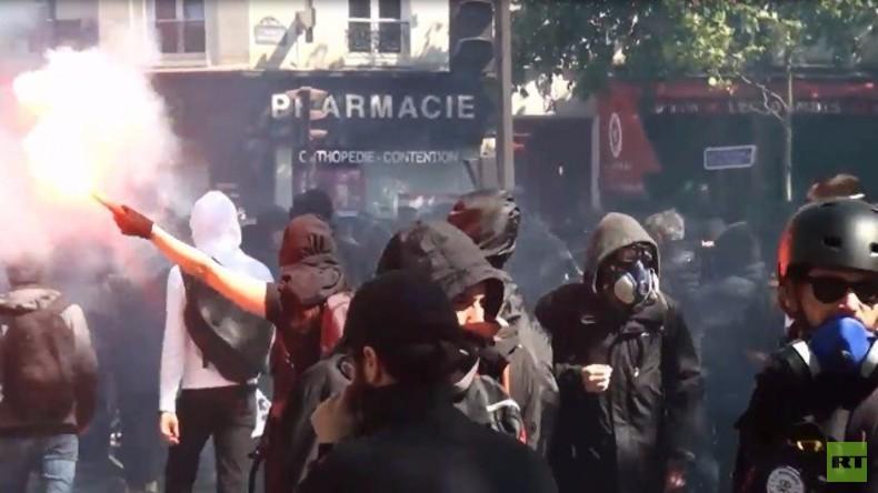Live: Trotz EM - heftige Proteste in Paris gegen Arbeitsmarktreformen - mehrere Verletzte