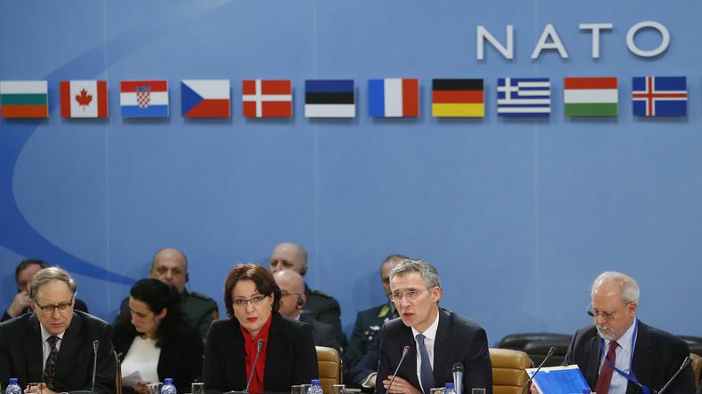"""Gipfeltreffen der NATO-Verteidigungsminister in Brüssel: Aufrüstung und """"Sicherung der Ostgrenze"""""""
