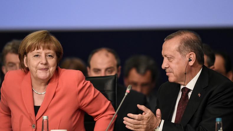 """Diplomaten-Leak: """"Merkel gibt Erpressungsversuch von Erdogan für Visafreiheit nach"""""""
