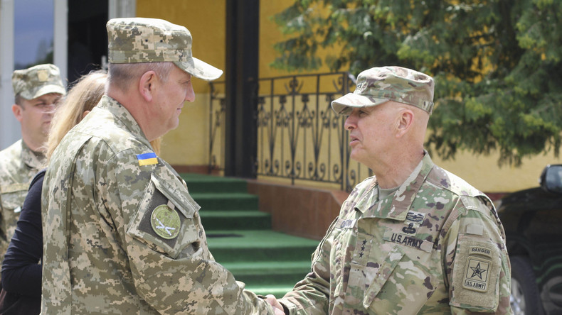 """NATO kündigt """"militärische Maßnahmen für wirksamere Sicherheitsstrukturen"""" in der Ukraine an"""