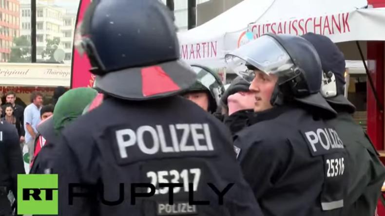 Berlin: Protest der rechten Jugendbewegung Identitäre  trifft auf heftigen Widerstand - Verhaftungen