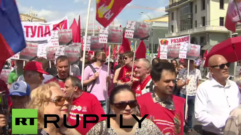 Russland: Hunderte nehmen an Anti-NATO-Kundgebung der Kommunistischen Partei in Moskau teil